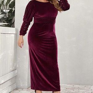 Dresses - NEW😍 VELVET DRESS WITH SLIT❤️FREE GIFT INCLUDED